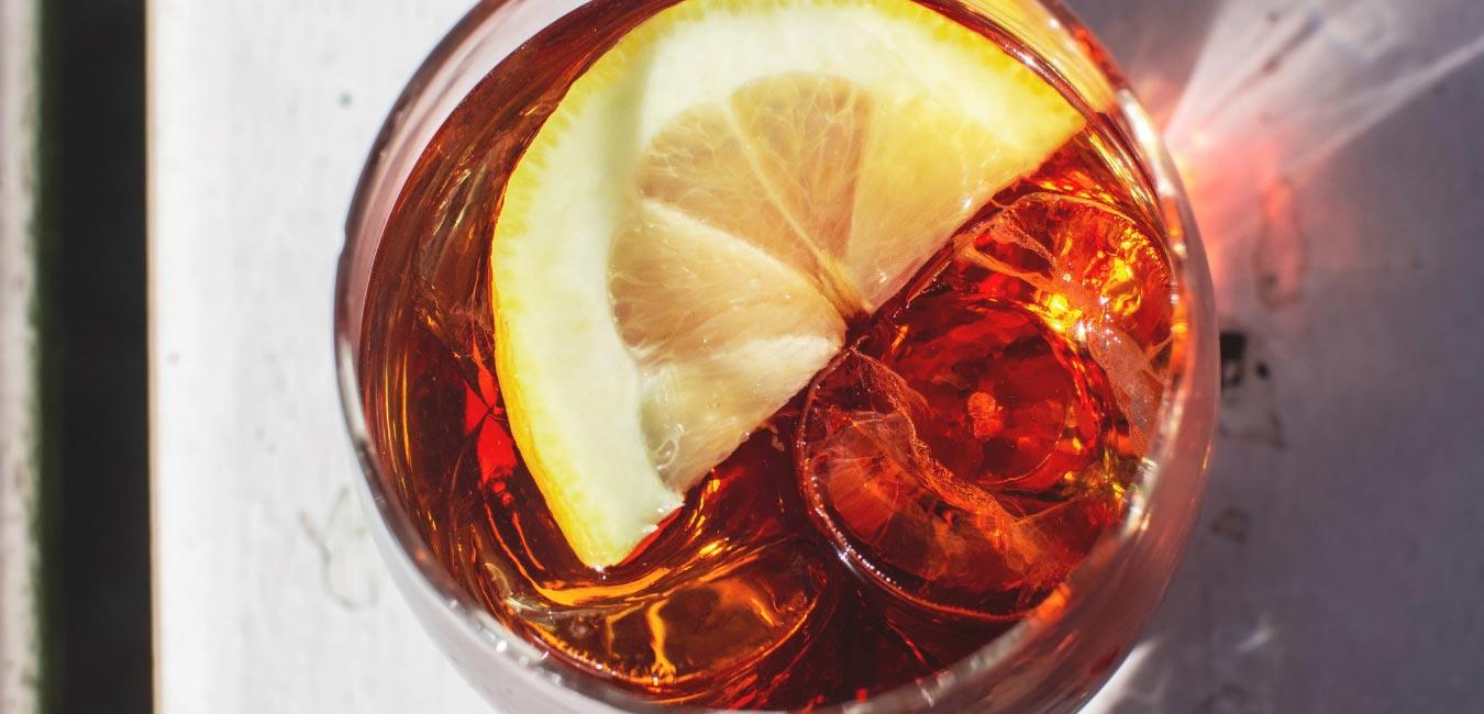 How To Make A 1919 Cocktail - Female Original